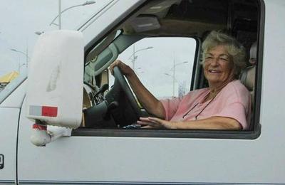 Tiene 81 años y lleva más de un año recorriendo Sudamérica en una casa rodante