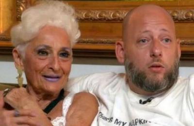 La curiosa rutina de ejercicios de una anciana para mantener viva la pasión con su novio de 39 años