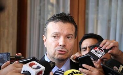 """HOY / Abdo solo dispone """"transparencia"""" en Petropar: Arregui no puede auditar MEC"""