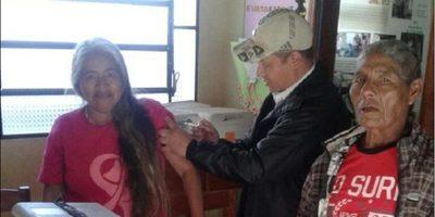 Intensifican aplicación de vacunas contra fiebre amarilla
