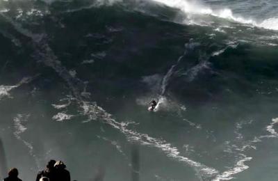 Aterrador momento en el que surfista es ''tragado'' por una ola gigante en Nazaré [VIDEO]