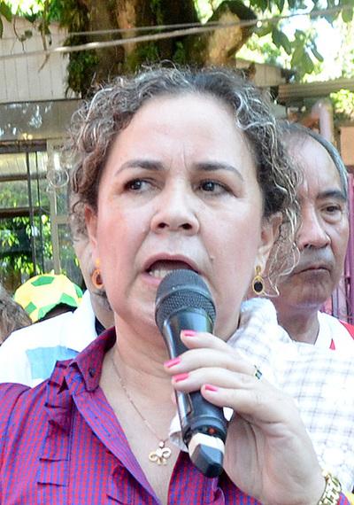 En audiencia prevista para hoy deciden suerte de la concejal Bartola Fernández
