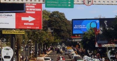 Sector comercial de CDE espera visitantes por feriado en Brasil