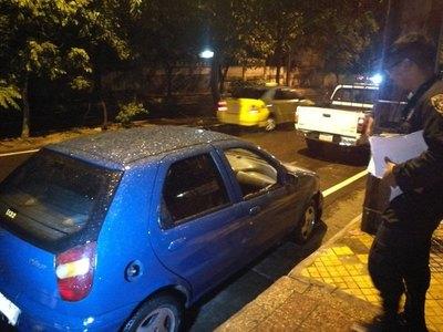Raudal le llevó su auto y polis lo rescatan