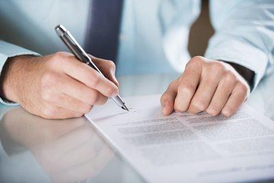 El derecho de rescindir el contrato de seguros