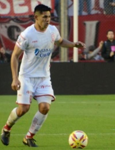 El club Olimpia demandó a Huracán por Saúl Salcedo
