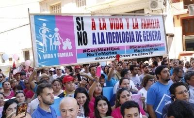 HOY / Grupo profamilia pide al MEC sacar la palabra género y eliminar materiales de ideología