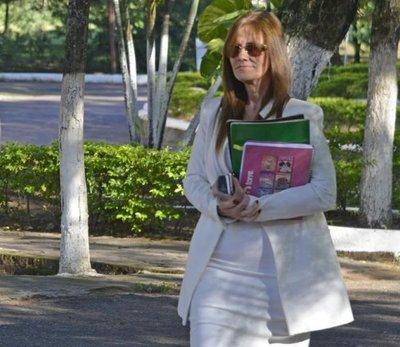Fiscalía se abocará a analizar celulares de Laura Casuso