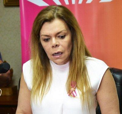 Sandra McLeod: No voy a renunciar