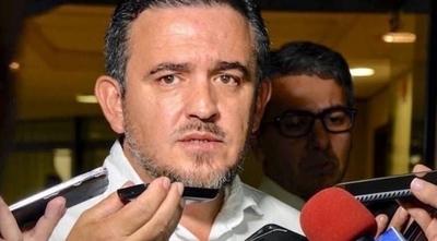 """HOY / Todo """"limpio"""" en MEC: subordinado de Petta desestima denuncia contra el jefe"""