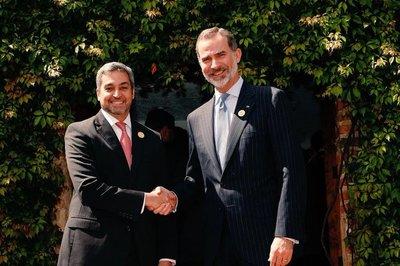 Presidente se reunió con el rey Felipe y su homólogo español