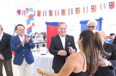 Inauguran 190 viviendas sociales en Luque