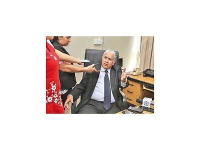 A pedido de McLeod, suspenden el juzgamiento de las cuentas de CDE