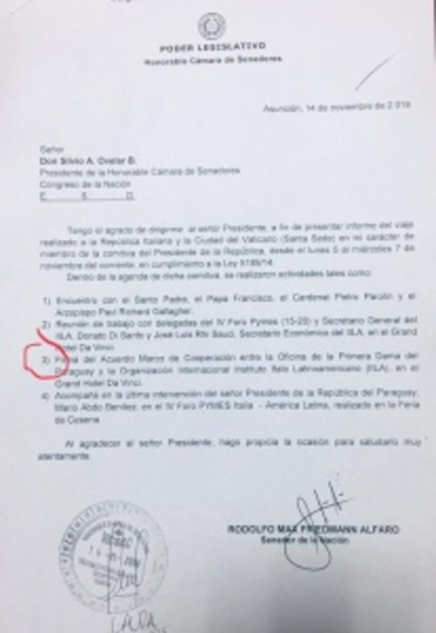 Senador trucho fue a Italia como escudero del presidente y la primera dama