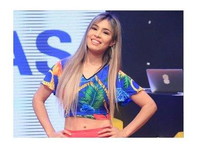 Nadia Portillo canta YO TE BOTÉ tras separarse de Abelito