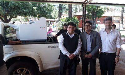 IPS entrega equipo revelador de placas radiográficas a Hospital Regional de CDE