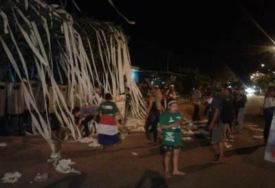 Escraches se centran frente a casa de Sisinia Silva, durante noche Nº 32