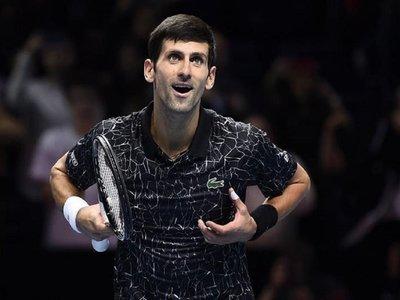 Djokovic vence a Cilic y acaba la primera fase invicto