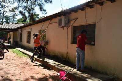 Realizan limpieza y entregan aportes al Centro de Salud de Campo 9 – Prensa 5