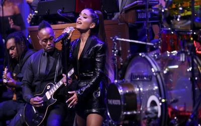 Ariana Grande se cortó el cabello y revolucionó las redes
