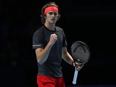 Alexander Zverev vence a Federer y es finalista en Londres