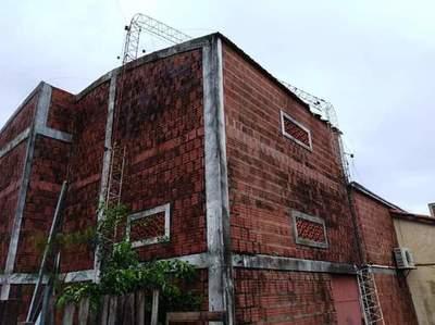 Temporal derriba antena de radio y viviendas en Yby Yaú