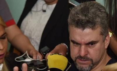 HOY / Villamayor confirma que narco Piloto usaba app para citar a mujeres a su celda