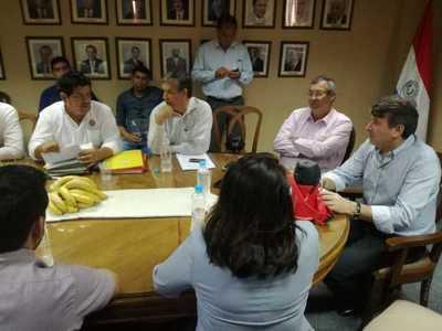 Ministro se reúne con agricultores para evaluar planes de producción para el 2019
