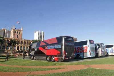PRESENTAN 70 NUEVAS UNIDADES DEL TRANSPORTE PARA MEDIANA Y LARGA DISTANCIA