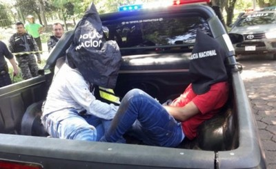 Asaltantes son aprehendidos tras persecución por robar cartera