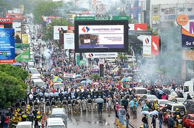 """Otro paro para exigir juicio político a fiscala general, """"servil"""" a Zacarías"""
