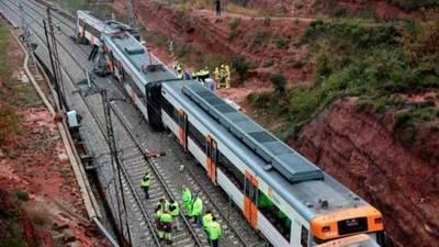 Un muerto y 44 heridos al descarrilar tren en España