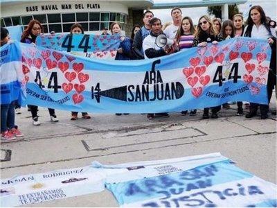 Obispo preside misa en memoria de los 44 tripulantes de submarino argentino