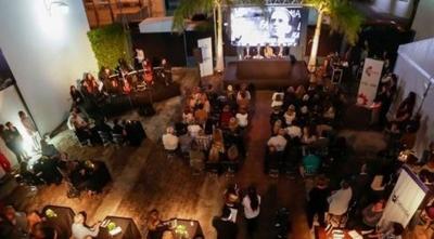 """HOY / Reconocerán a gestores culturales en los """"Premios Óscar Trinidad"""""""