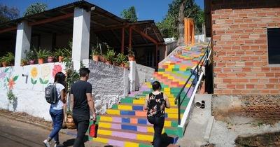 Histórica escalinata se convierte en atractivo turístico