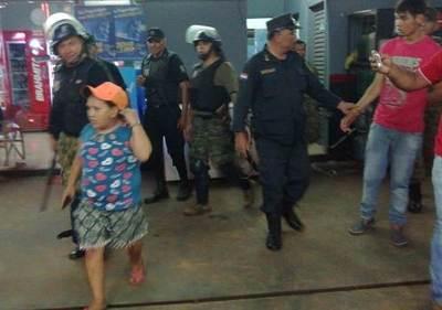 """Detenidos por """"portar honditas"""" son enviados a prisión"""