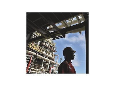 El petróleo se desploma por el miedo a la sobreoferta