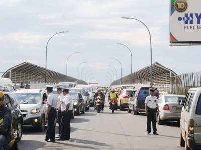 Buscan mejorar seguridad y agilizar circulación en  Puente de la Amistad