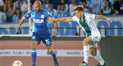 Racing cede ventaja en Superliga argentina
