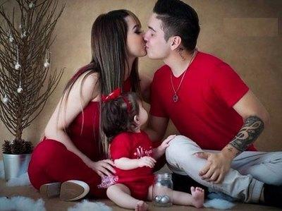 Vía mensajes le pechearon su bebé