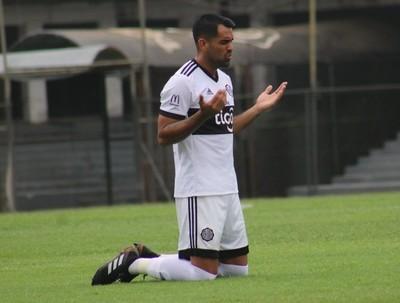Carlos Rolón anotó en categoría Reserva