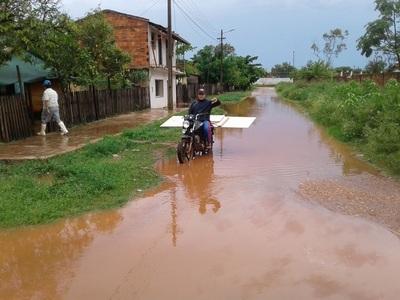 Vecinos de Inmaculada sufren con cada lluvia