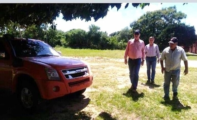 HOY / Wiens ningunea a autoridades locales en visita a Ñeembucú