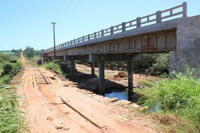 MOPC construirá puentes en seis departamentos del país