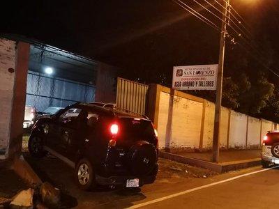 Usan como estacionamiento privado un predio de la muni de San Lorenzo