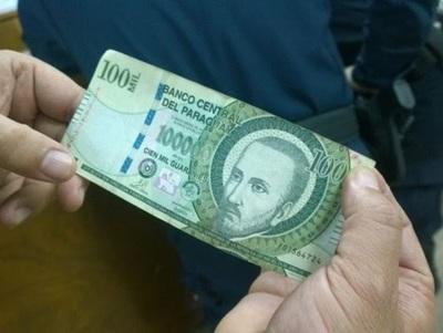 Piden tener cuidado ante circulación de billetes falsos