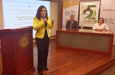 UNE y Senatur acuerdan acciones para potenciar el turismo