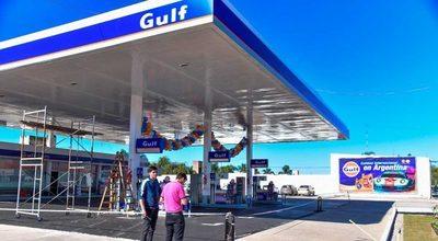Grupo paraguayo negocia la compra de más de cien estaciones de YPF