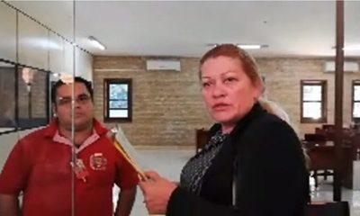 Corvalán evita que escribana servil retire renuncia de Sandra McLeod