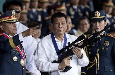 Rodrigo Duterte llamó a matar a los obispos católicos
